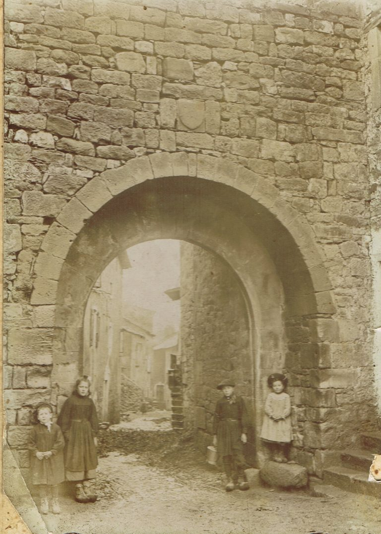 Porte de Versols 1900