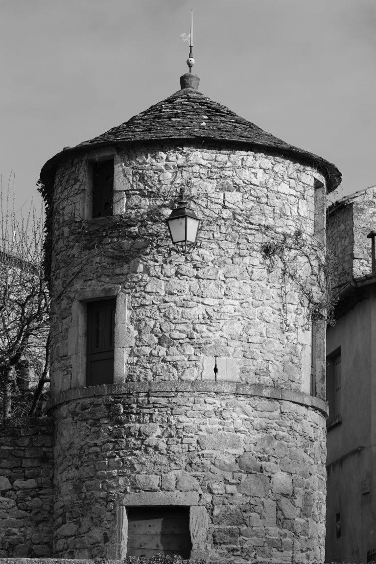 Tour du Château de Versols